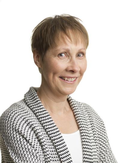 Hej, jag heter Ingrid Jönsson och bor med min familj i Brösarps backar på Österlen i Skåne. Där arbetar jag som lärare på låg och mellanstadiet, ... - Ingrid-0034881-e1441828109710